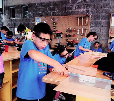 Escuelas en Espacio Maker de Zigzag